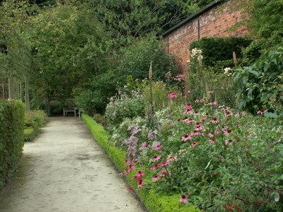 Alnwick_garden_036